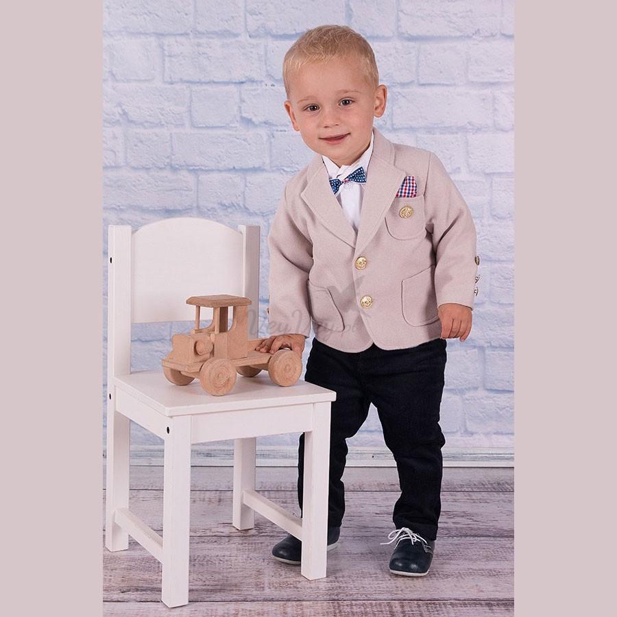 272c105112c8a Garniturek dla chłopca z ciepłej tkaniny · Chłopięcy garnitur z ciepłej  tkaniny.
