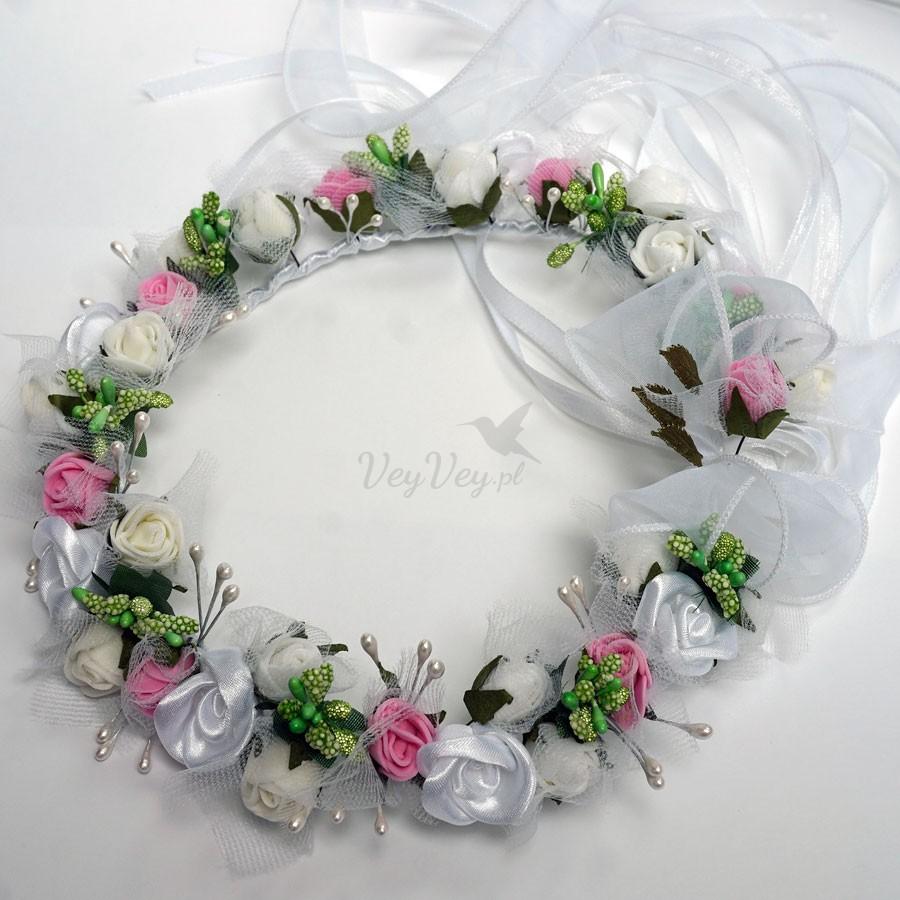 2e10993652 Wianek komunijny z białych i różowych róż