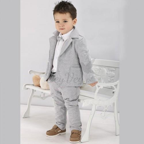 562594085f71a Garnitur dla chłopca do chrztu z eleganckiej i przewiewnej dzianiny.